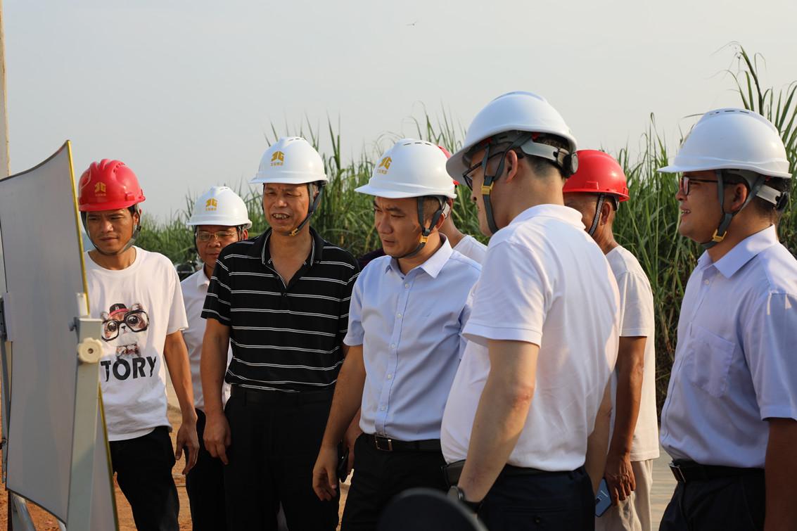 上林县县长王鹏一行莅临泽川环保水务公司项目建设现场调研指导工作_副本